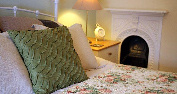 Bedroom - Flint Cottage.
